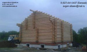 Огромный дом из бревна в городе Самара