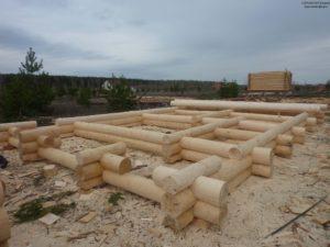 Изготовление дома из бревна