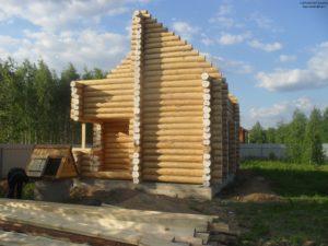 Сруб дома из бревна в Ульяновске