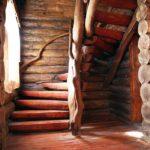 Лестница в срубе