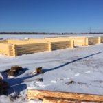 сруб дома 10 на 12 метров в процессе изготовления