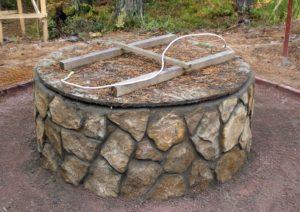 Колодец каменный
