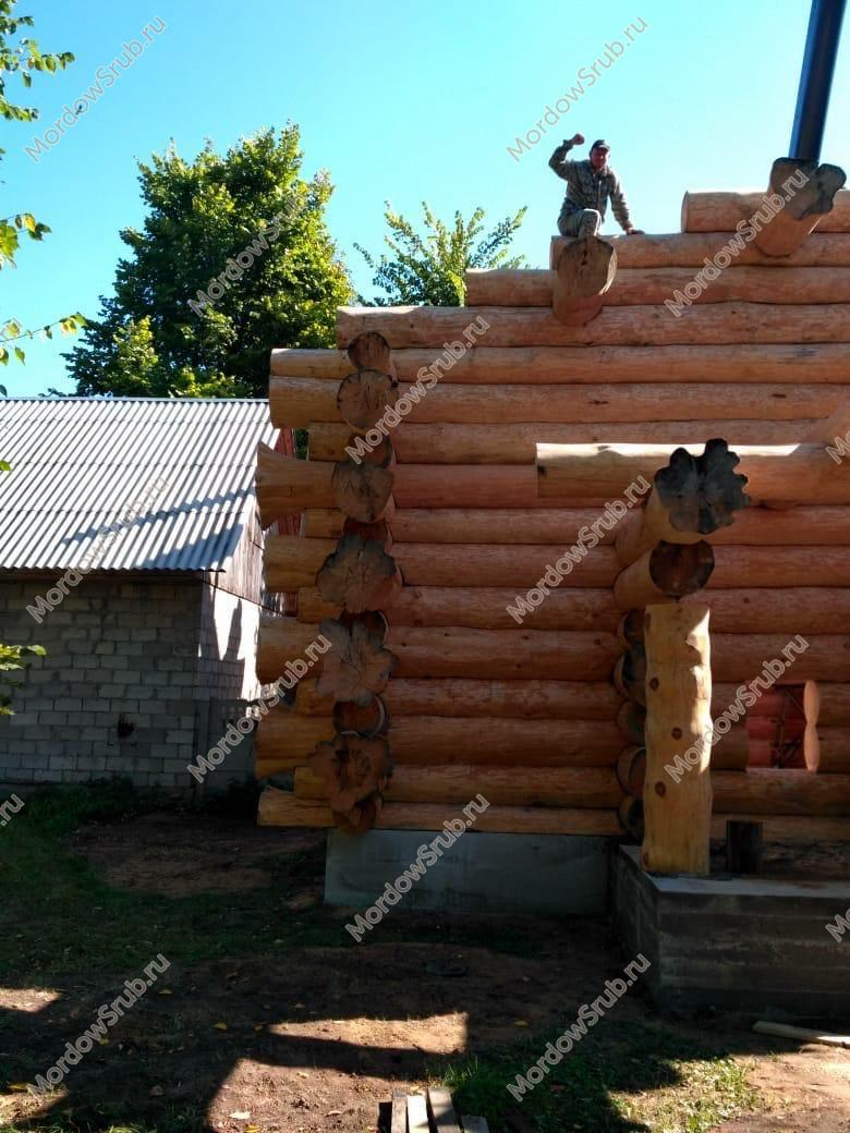 Сруб дома в диком стиле 9 на 10 в Курске